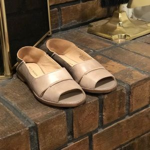 New Kelsi Dagger Taupe Collapsible Leather Flat